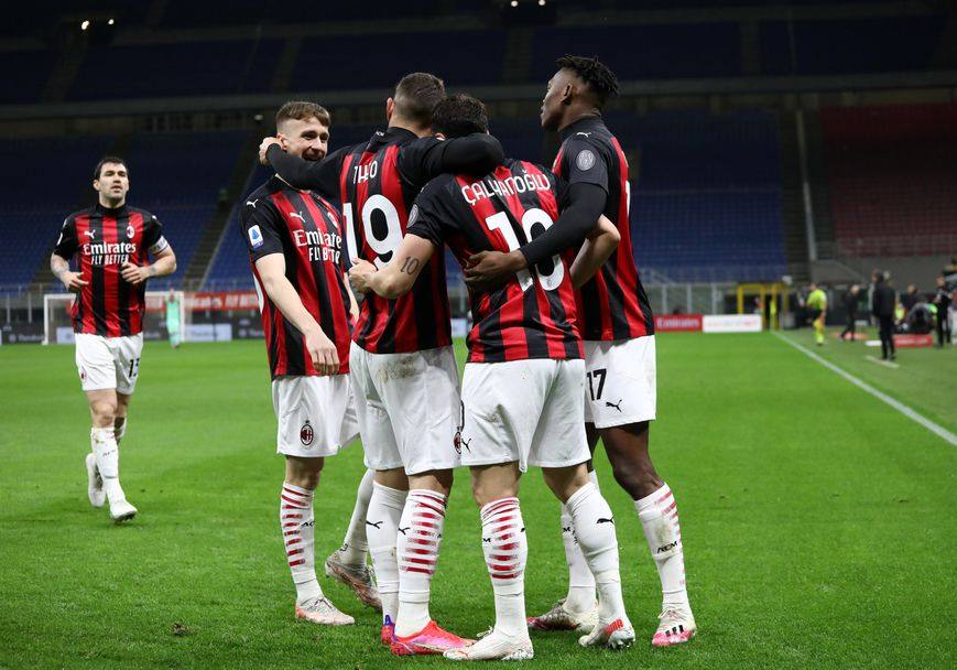 Милан - Беневенто 2:0