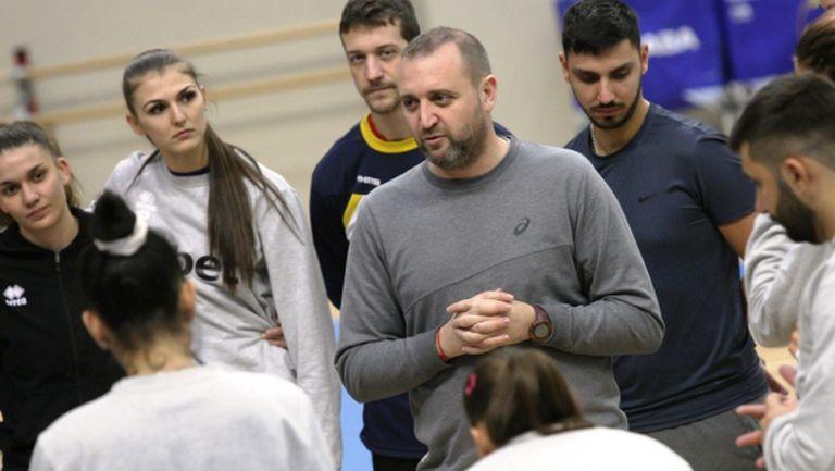 Неуредици и неволи за волейболистките в Апелдоорн