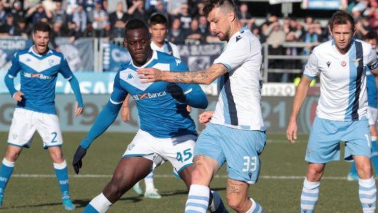 Лацио се разграничи от феновете, които обиждаха Балотели