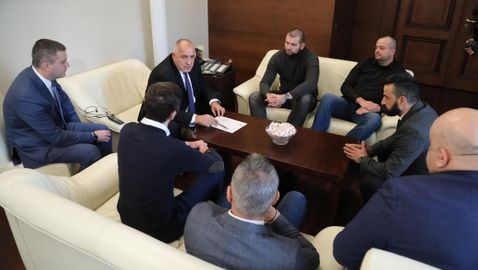 Премиерът изненада феновете: Ако искате Левски да го има, акциите трябва да са при вас