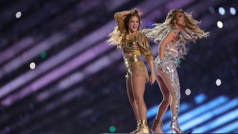Шакира и Джей Ло нагорещиха страстите със запомнящо се шоу (видео + галерия)
