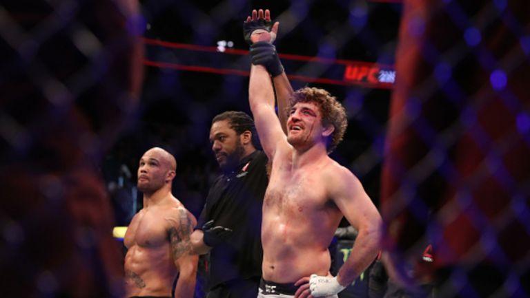 Противоречива победа със събмишън в дебюта на Бен Аскрен в UFC