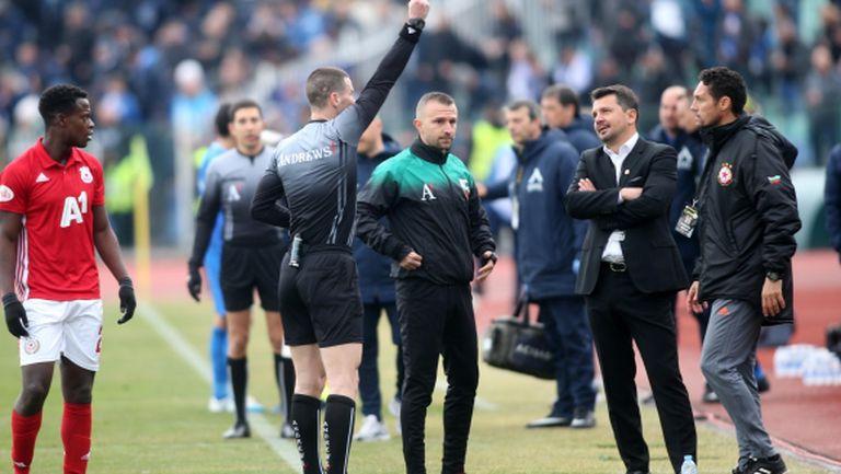 Кабаков изгони Добри Митов от скамейката на ЦСКА-София