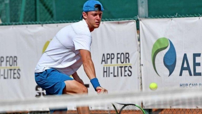 Лазаров отпадна на четвъртфиналите в Анталия