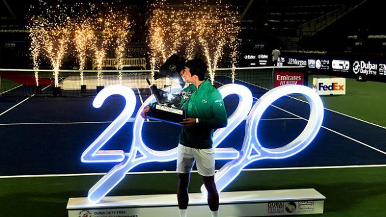 Победната серия продължава! Джокович триумфира в Дубай (видео)