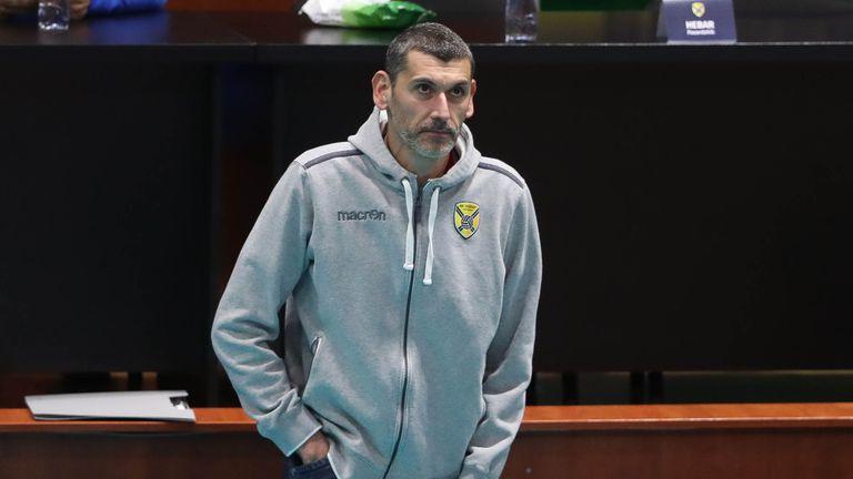 Александър Попов с дебют начело на Хебър в първия полуфинален сблъсък с Монтана