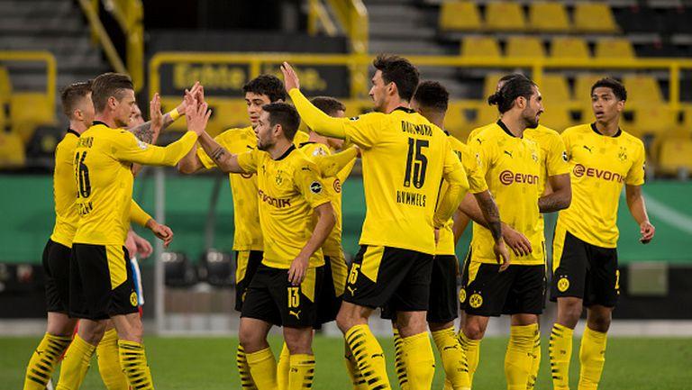 Борусия Дортмунд е на финал за Купата след 5:0 над Холщайн Кил