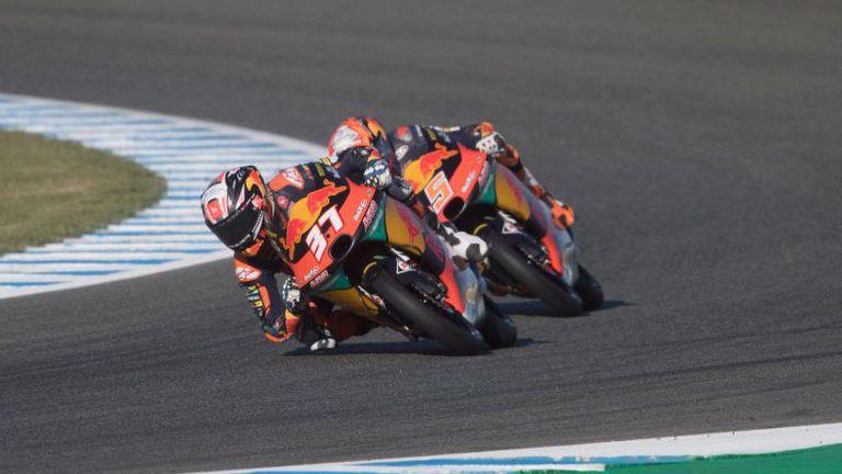Новак с 3-а поредна победа след нова драма в Moto3