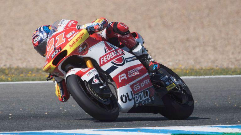Италианец с категорична и емоционална първа победа в Moto2