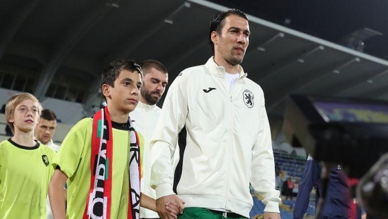 Ивелин Попов: Хората около Боби Михайлов живуркат на гърба на футбола (видео)