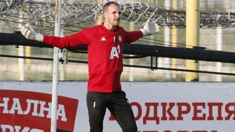 Бивш вратар на ЦСКА-София продължава с фурора в Полша, отборът му вече е първи