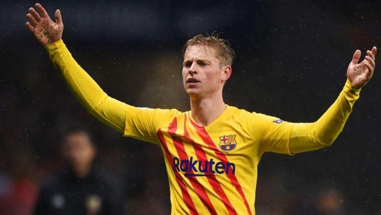 Барселона привлекли Де Йонг против волята на Валверде