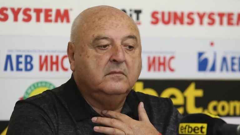 Венци Стефанов е приет в болница