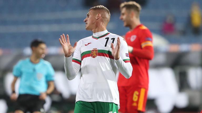 Бият инжекции на Десподов, утре може и да играе за България