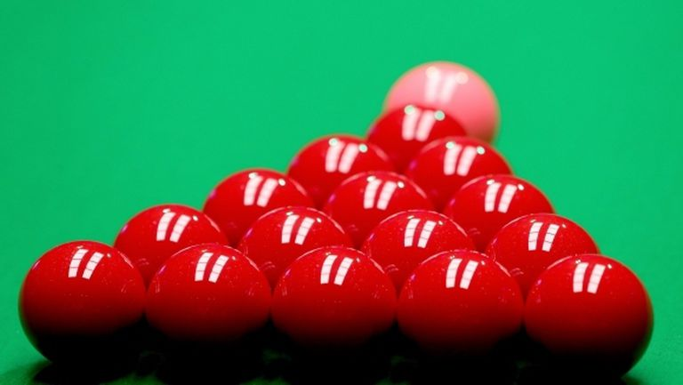Двама снукър играчи се оттеглиха от Championship League заради COVID-19