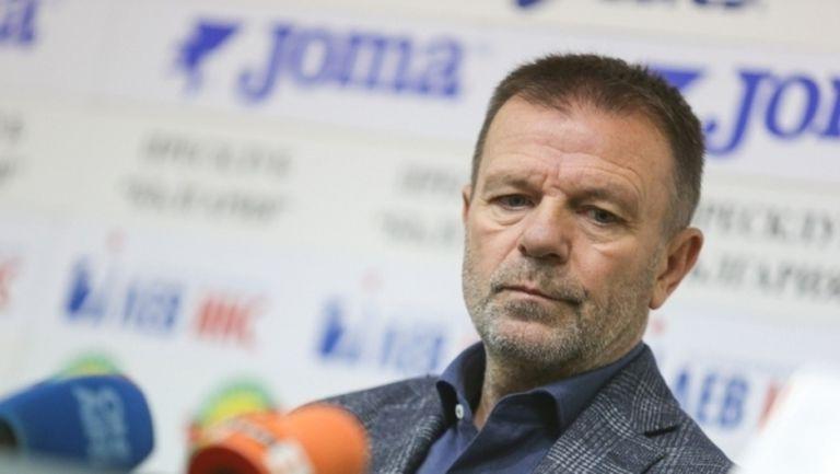 Стойчо Младенов изригна: Явно някои около любимия ми клуб се страхуват дори от сянката ми