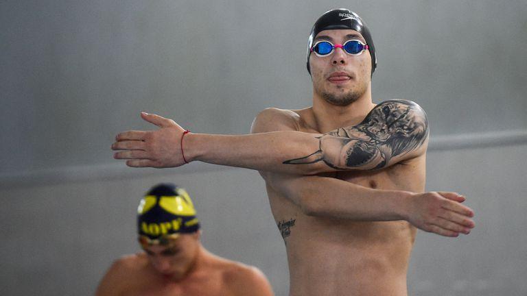 Антъни Иванов ще плува на финал на 200 метра бътерфлай на Европейското