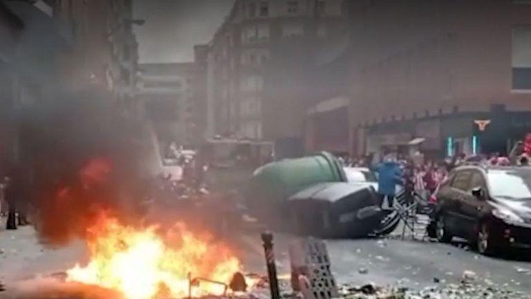 Пожари и бой с полицията - Билбао заприлича на военна зона