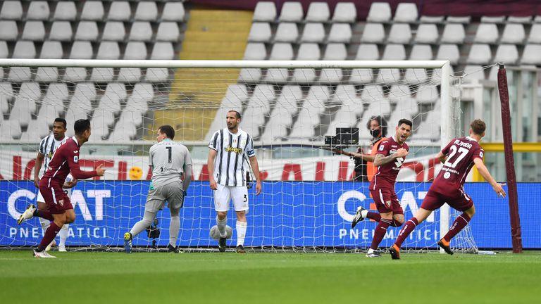 Роналдо спаси Юве от загуба в дербито, но остана в сянката на друг нападател (видео)