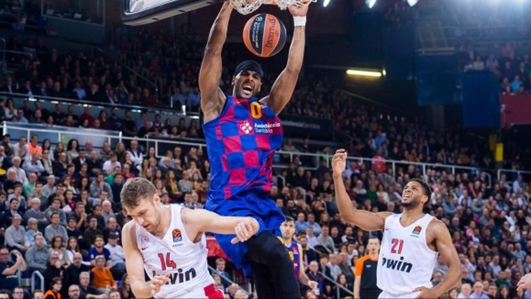Везенков впечатли, но Олимпиакос не спря Барселона (видео)