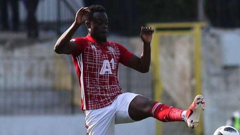 ЦСКА-София се отказва от Едвин Джеси, но ще задържи Чорбаджийски