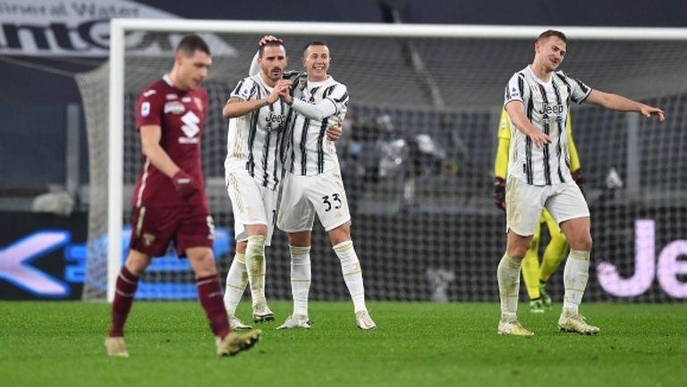 Ювентус се възползва от слабостта на Торино и го удари в дербито (видео)