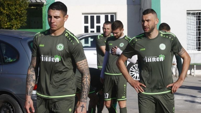 Футболистите на Вихрен привикани спешно за тренировки