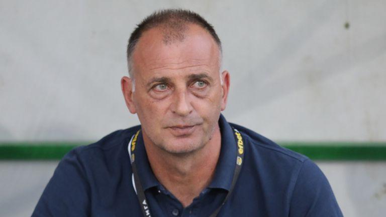 Главоболия за Тони Здравков преди мача със Славия