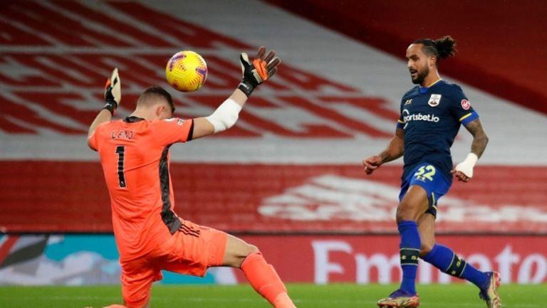 Обамеянг прекъсна головата суша, но Арсенал пак остана в намален състав и отново не победи (видео)