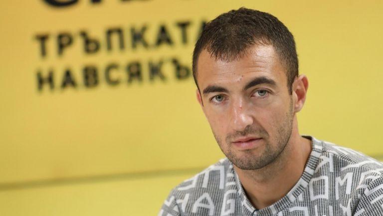 Дани Младенов коментира информацията за интереса към него от Левски
