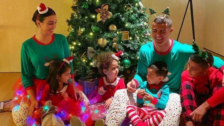 Ето как футболните звезди посрещнаха Коледа