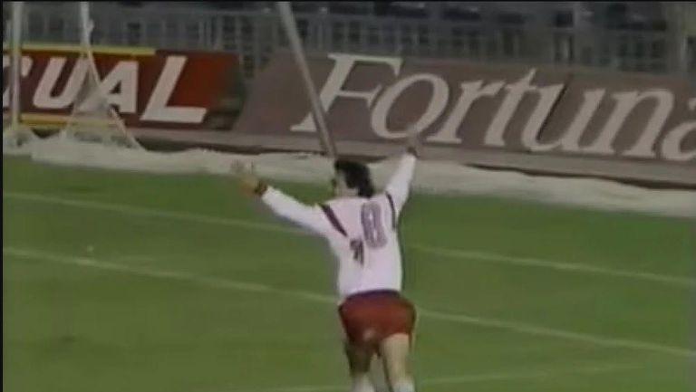 На този ден - Стоичков вкарва два гола на Барселона, Кройф го пожелава в състава си