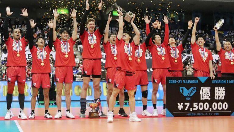 Дмитрий Мусерский и Сънтори Сънбърдс грабнаха титлата на Япония