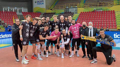 Супер Матей Казийски с 24 точки, Верона с първа победа в плейофите за 5-о място в Италия (снимки)🏐