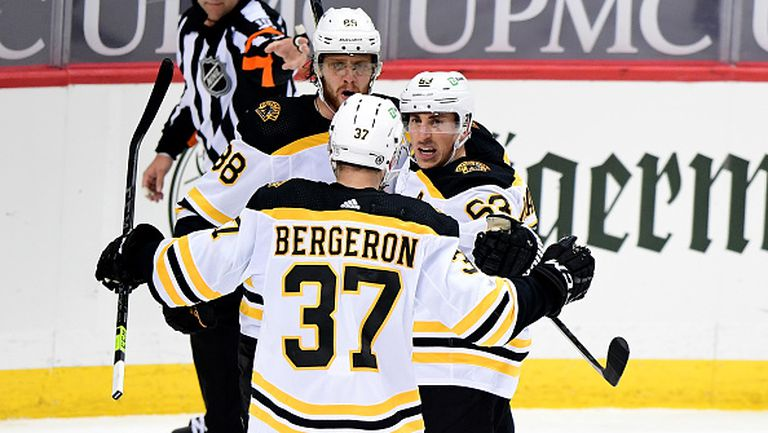 Бостън Брюинс се класира за плейофите в НХЛ