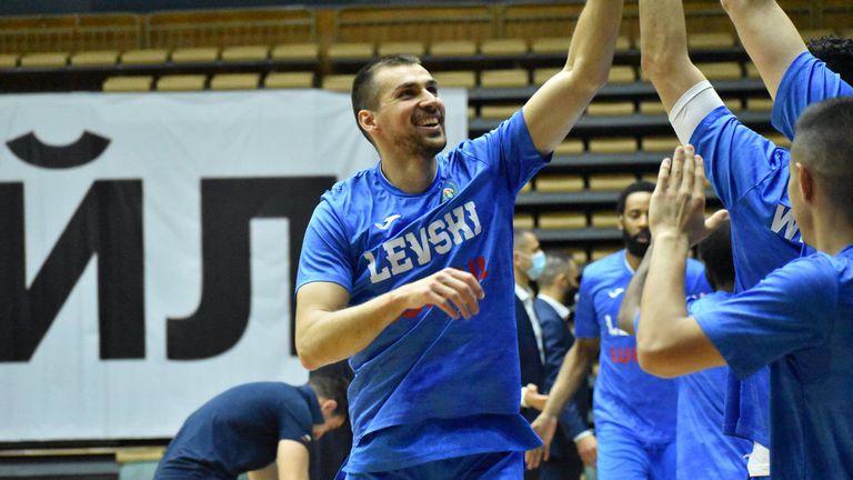 Христо Захариев: Няма да се отпускаме