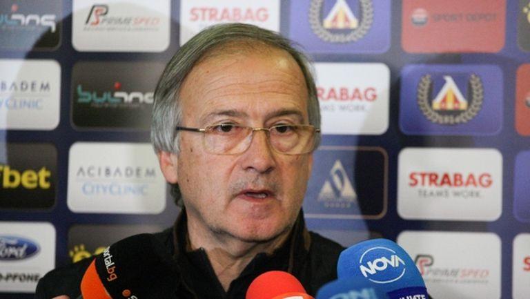 Левски представи Дерменджиев и новите футболисти