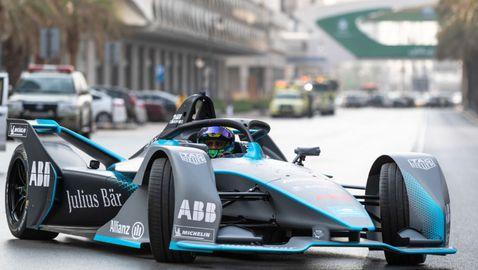 Фелипе Маса изпробва новия болид във Формула Е