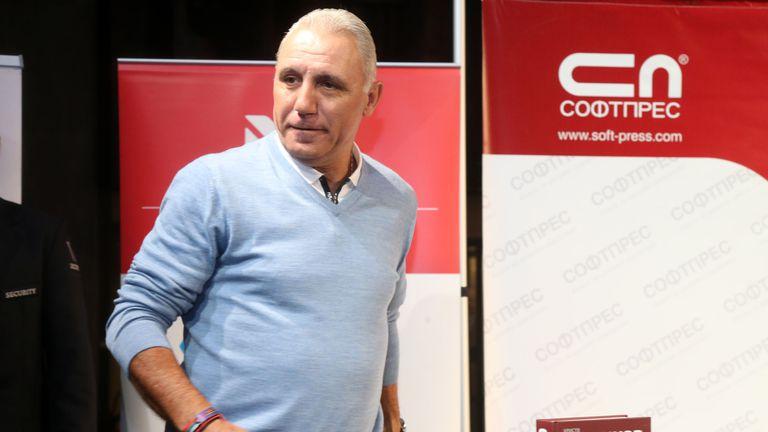 Стоичков се похвали с тениска, подарена му от Бекъм