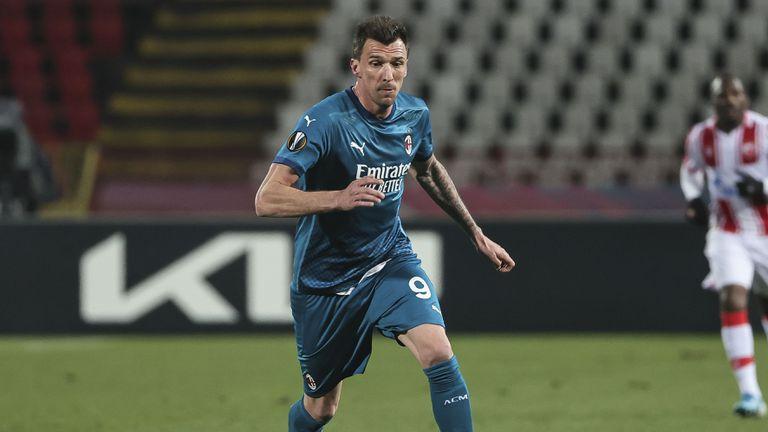 Ръководството на Милан все повече се колебае за бъдещето на Манджукич