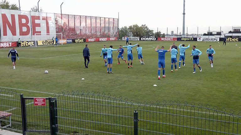 Футболистите на Левски ще преследват задължителна победа срещу Царско село