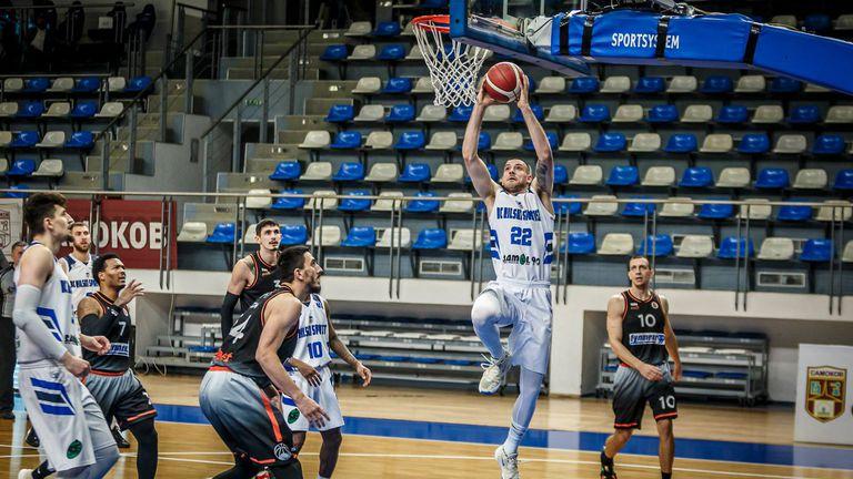 Рилски спортист се измъкна от ада и поведе на Академик Пловдив в полуфиналната серия