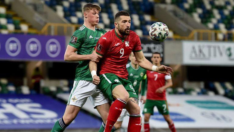 Гълъбинов може да смени клуба през лятото, прогнозира мениджърът му