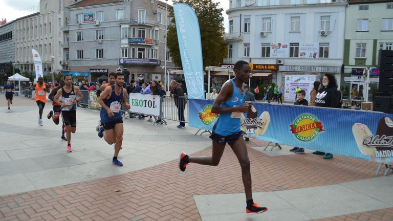 Елитни атлети пристигат за Варненския маратон