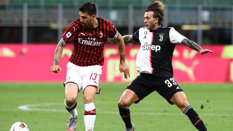 Ювентус и Милан ще преговарят за размяна
