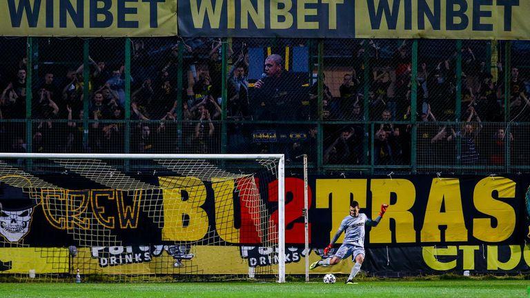 Ботев (Пд) пусна билетите за мача с Левски