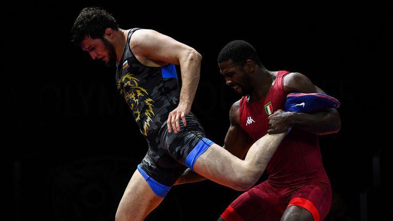 Свободняците запазиха шанс за един медал от олимпийските квалификации в София