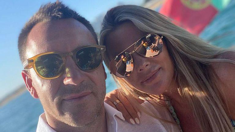 """Джон Тери отмаря в Португалия, съпругата му """"подпали"""" мрежата със секси кадри"""