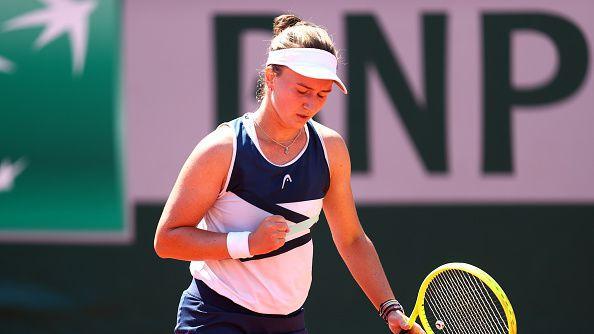 Крейчикова е на 1/4-финал в Париж след бърза победа над Слоун Стивънс