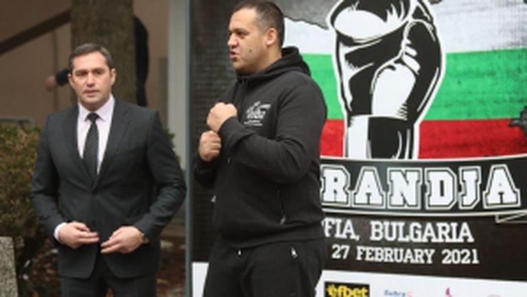 """Президентът на СФ по бокс проведе тренировка със състезателите от Купа """"Странджа"""""""